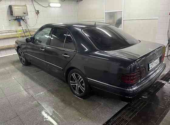 Mercedes-Bens W123, 1997 года в Астане, (Нур-Султане)  Астана (Нур-Султан)