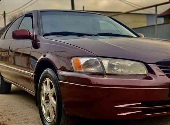 Toyota Camry 1998 года Алматы